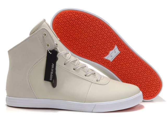 Phân biệt giày Converse chính hãng qua tem