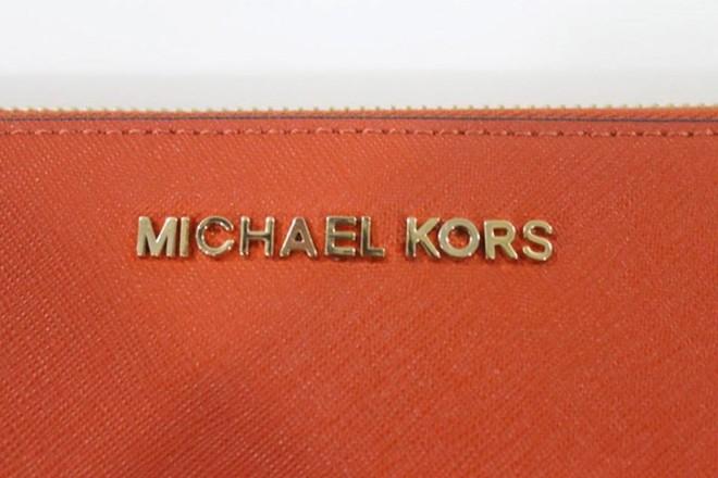 Cách phát hiện túi Michael Kors nhái