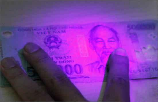 10 Dấu hiệu Nhận biết Tiền Giả