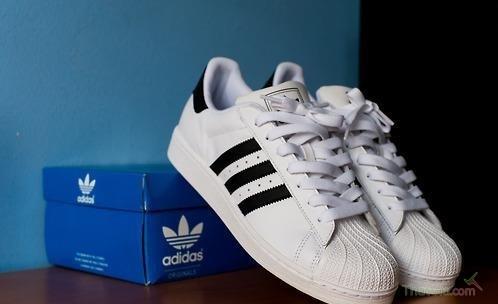 Giày Adidas và cách phân biêt qua số seri