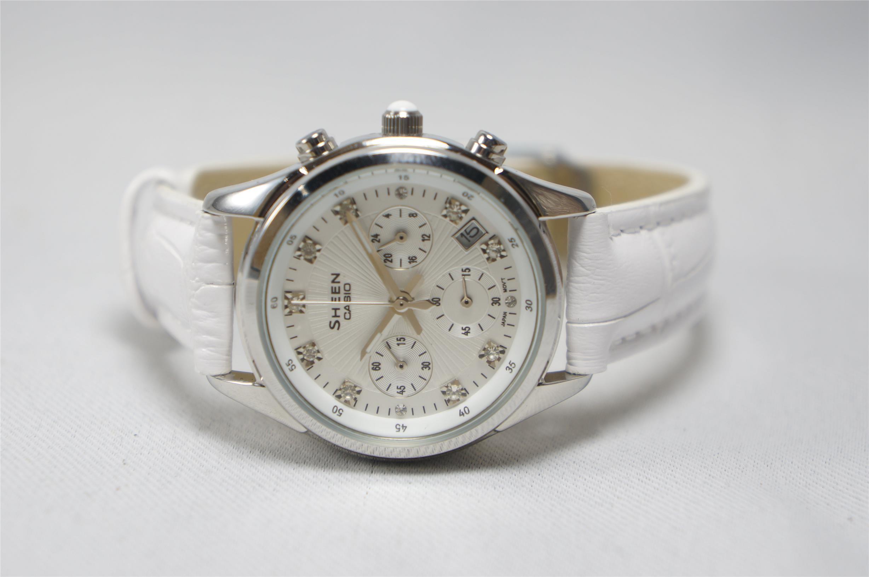 Đồng hồ Casio SHE-5023L chính hãng mang lại vẻ đẹp quý phái cho phái đẹp