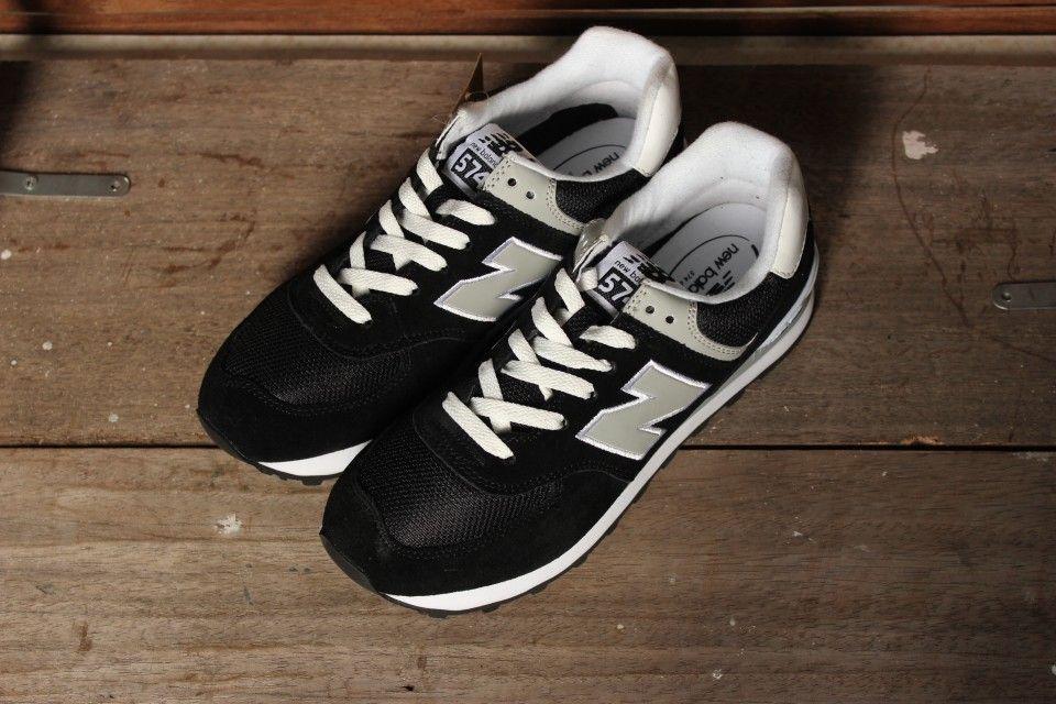 Nhìn giày và giá để chọn giày New Balance Thật
