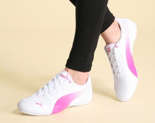 """Những đôi giày """"đểu"""", kém chất lượng sẽ có ảnh hưởng rất xấu tới hiệu quả chơi thể thao của bạn đấy nhé!"""