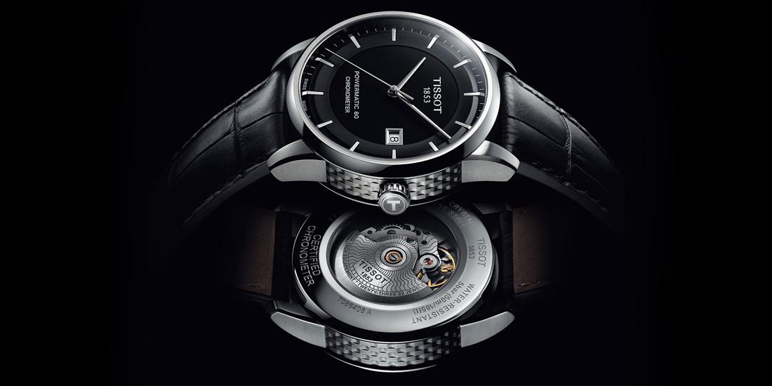 Đồng hồ chính hãng được khắc dập sắc sảo