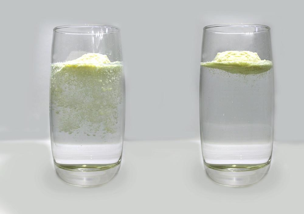 Sữa giả cho vào nước sẽ tan ngay