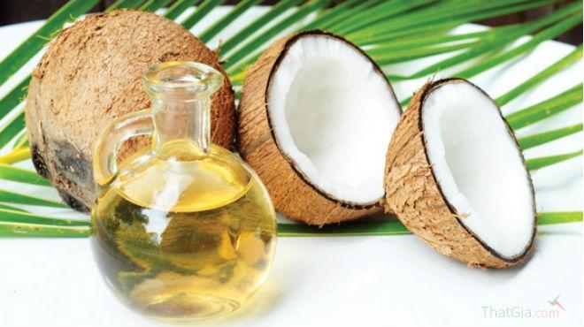 Nhận biết dầu dừa bằng cách cho vào ngăn mát tủ lạnh