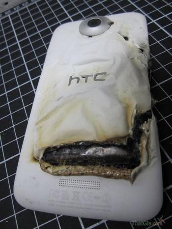 Sạc điện thoại Samsung nhái có thể gây cháy nổ