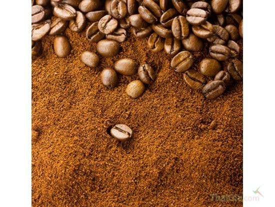 Cà phê thật có màu nâu rất đặc trưng chứ không phải màu đen, các hạt mặc dù nhỏ, nhưng tơi, xốp, không vón vào nhau