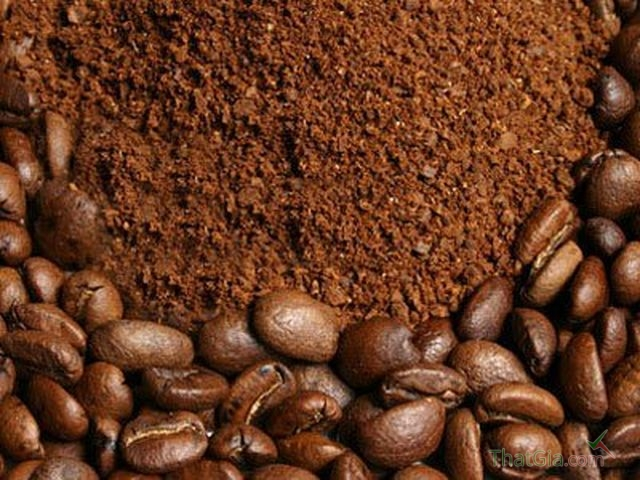 Bột cà phê có màu nâu đậm