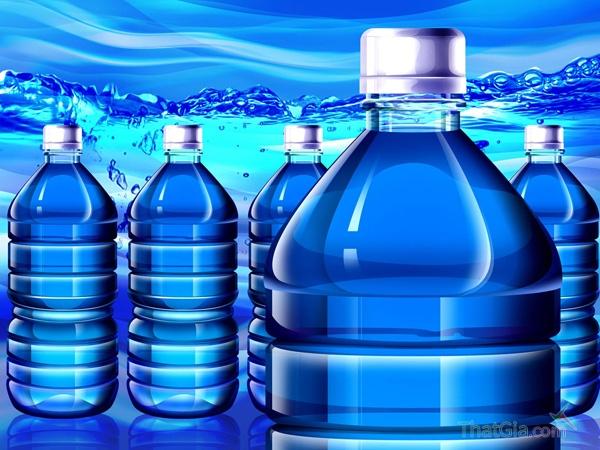 Nước đóng chai giả chứa vi khuẩn e-coli