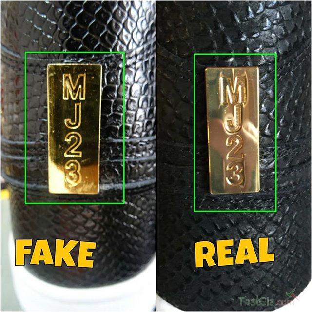 Trên đôi giày thật các ký tự gần như chạm nhau còn trên giày giả thì chúng bị tách ra