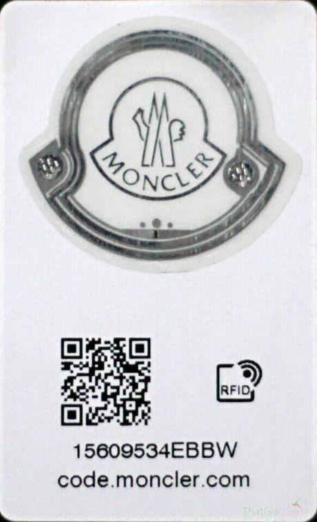Moncler đã lắp chip RFID cho tất cả các sản phẩm của mình.