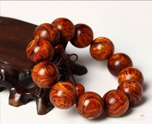 Cách chọn mua vòng tay gỗ sưa chuẩn