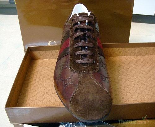 Cận cảnh một đôi giày Gucci nam thật